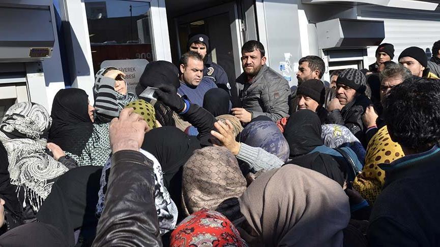 1 milyon 696 bin Suriyeliye her ay 225 milyon lira harçlık veriyoruz