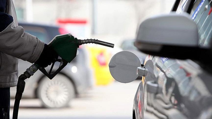 Son Dakika... Benzin 7 lirayı gördü! LPG'de indirim...
