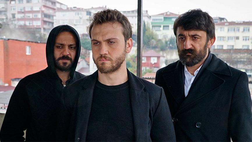Çukur beklerken Hacı Bayram Veli belgeseli izlediler
