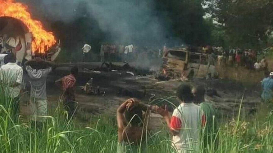 Son dakika… Petrol tankeri patladı: En az 50 ölü var