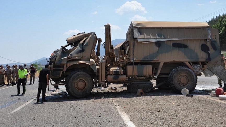 Gaziantep'te askeri araç devrildi: Yaralılar var