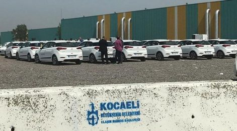 AKP'li başkandan tasarruf harekatı: Kiralık araçları iade etti