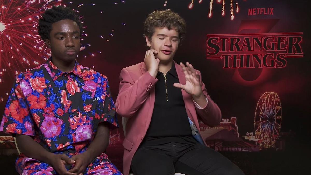 Netflix'in kült dizisi Stranger Things'in Lucas ve Dustin'i sözcü.com.tr'ye konuştu