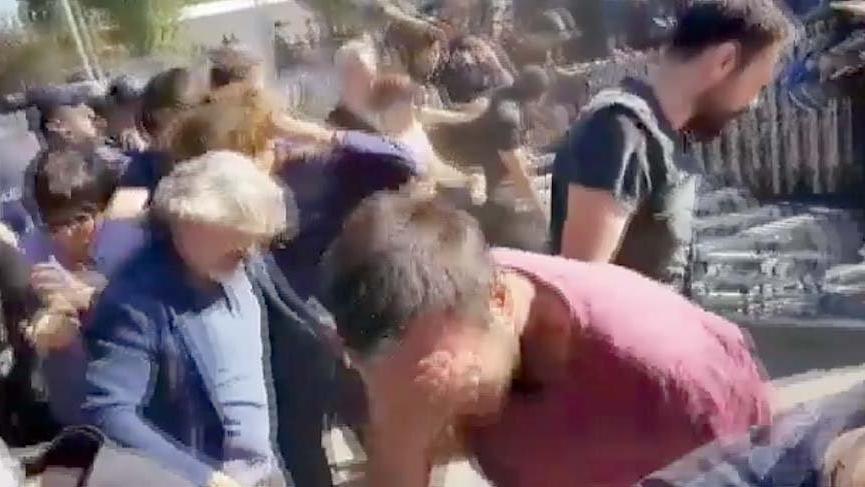 ODTÜ'de polis gaz sıktı ağaç kesimi başladı