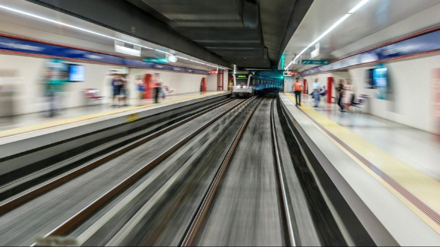 İzmir metro için Ankara'dan bir imza bekliyor