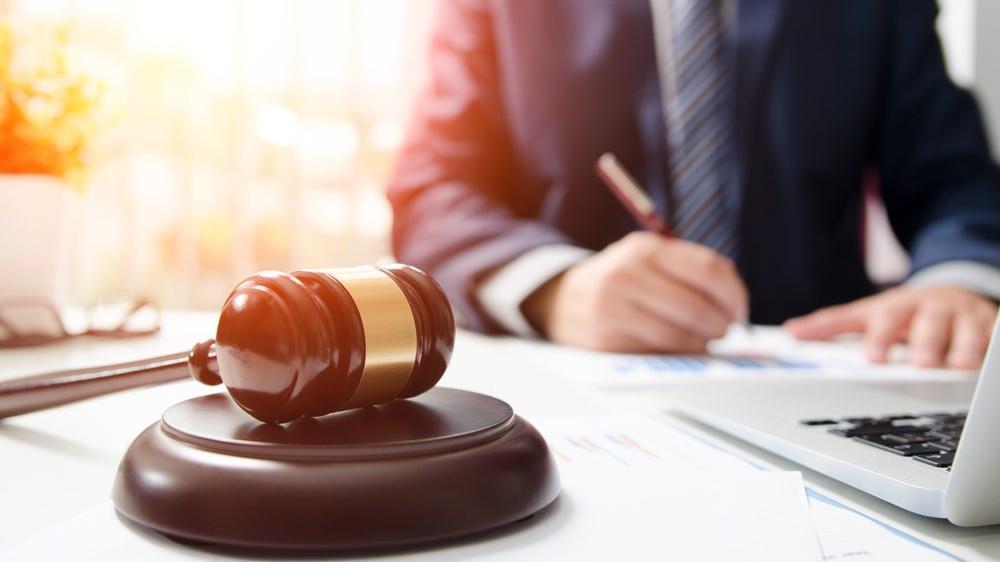 Mahkeme işe iade kararı verirse işçinin kaç gün içerisinde işe başlaması gerekir?