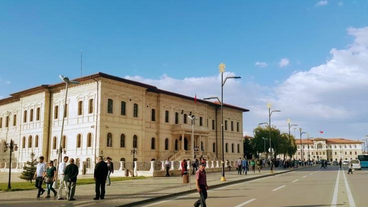 İstiklal Caddesi Mursi Caddesi oluyor