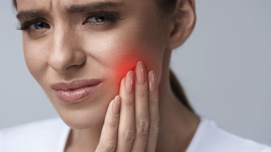 Diş apsesi belirtileri nelerdir? Ağrısı kaç günde geçer?