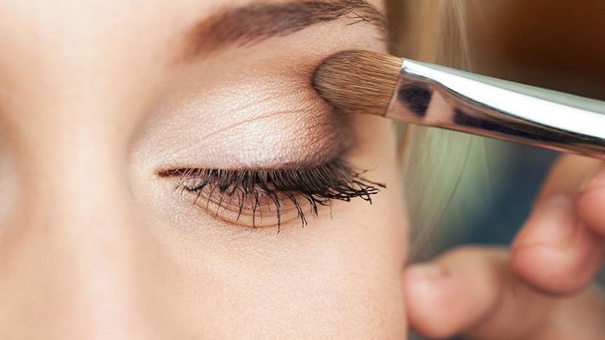 Göz makyajı teknikleri nelerdir? İşte gölgeli göz makyajı teknikleri…