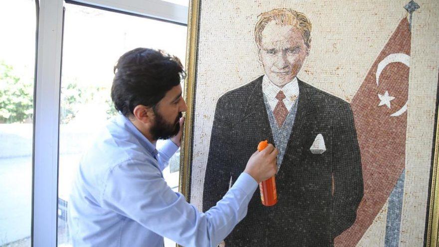 Suriyeli sanatçıdan 40 bin mozaikle Atatürk portresi