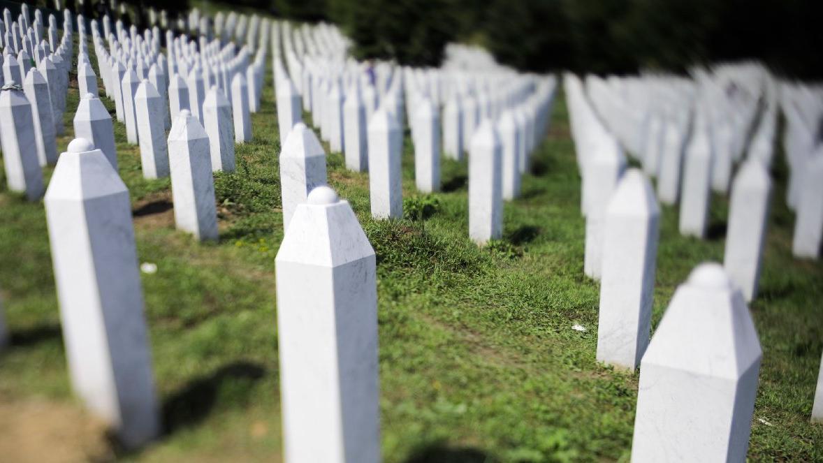 Hollanda Yüksek Mahkemesi ülkeyi Srebrenitsa katliamından 'yüzde 10' oranında sorumlu buldu