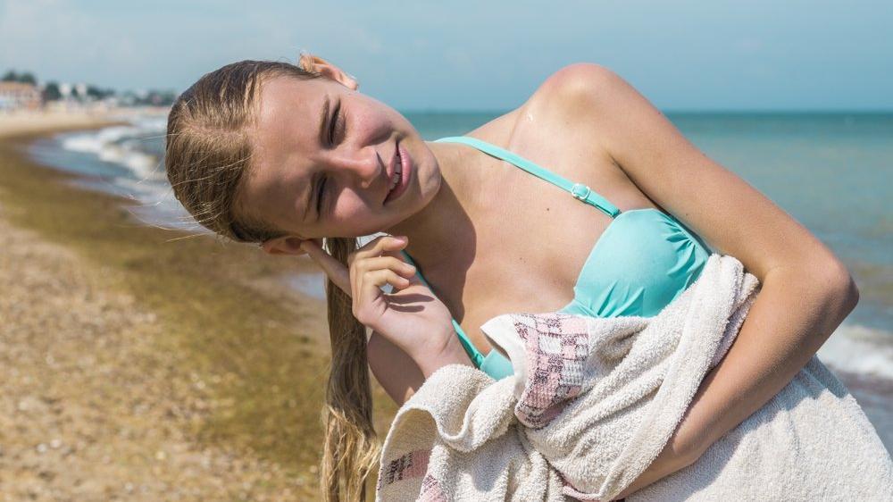 Dış kulak enfeksiyonunun belirtileri neler?