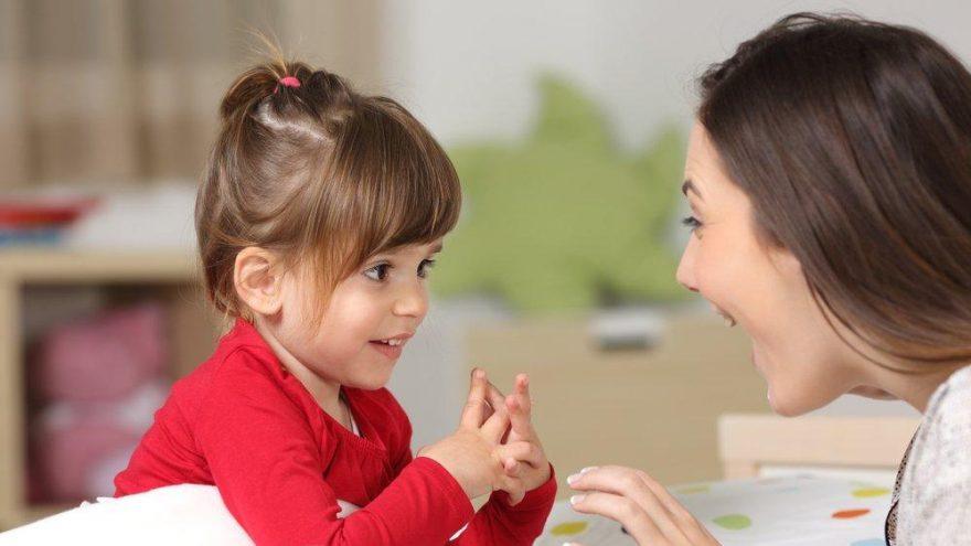 Çocuklarda dil gelişimi için ebeveynler neler yapabilir? Geç konuşmaya karşı pratik çözümler…