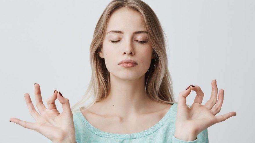 Yüz yogası nasıl yapılır? İşte yüz yogası teknikleri…