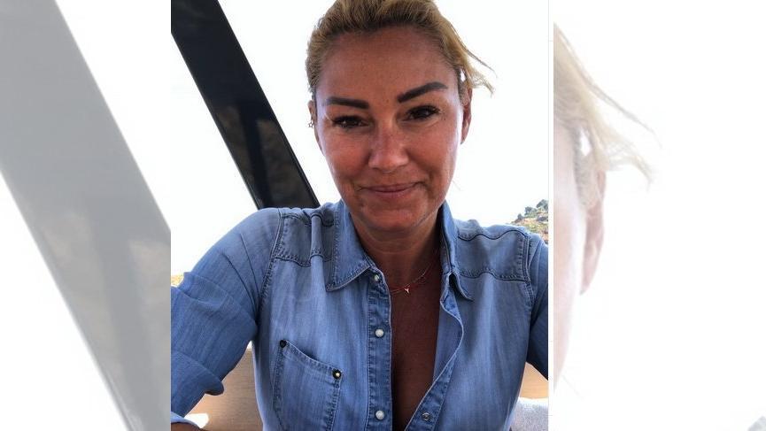 Pınar Altuğ gazetecileri uyardı: Saatlerce kalıp…
