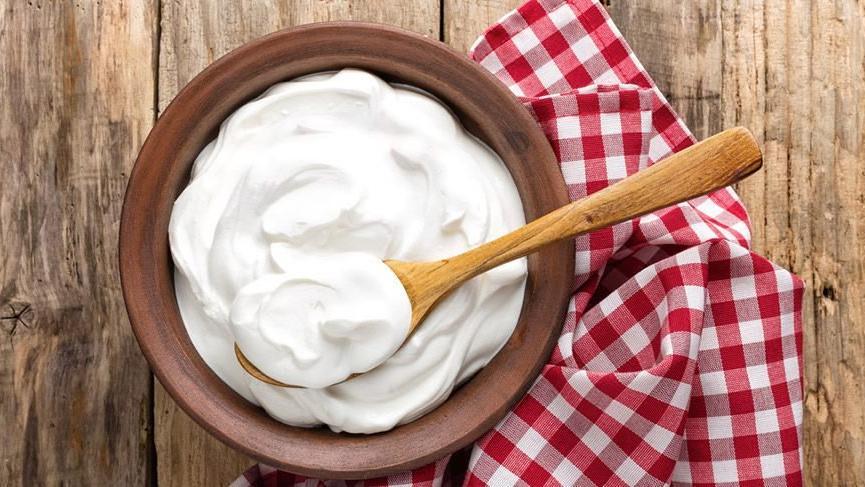 Yoğurdun faydaları nelerdir? Yoğurdun besin değerleri ve vücuda yararları…