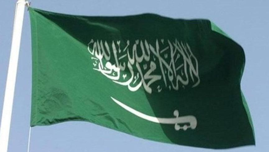 Suudi Arabistan'da bekletilen Türk TIR'ların geçişine izin verildi