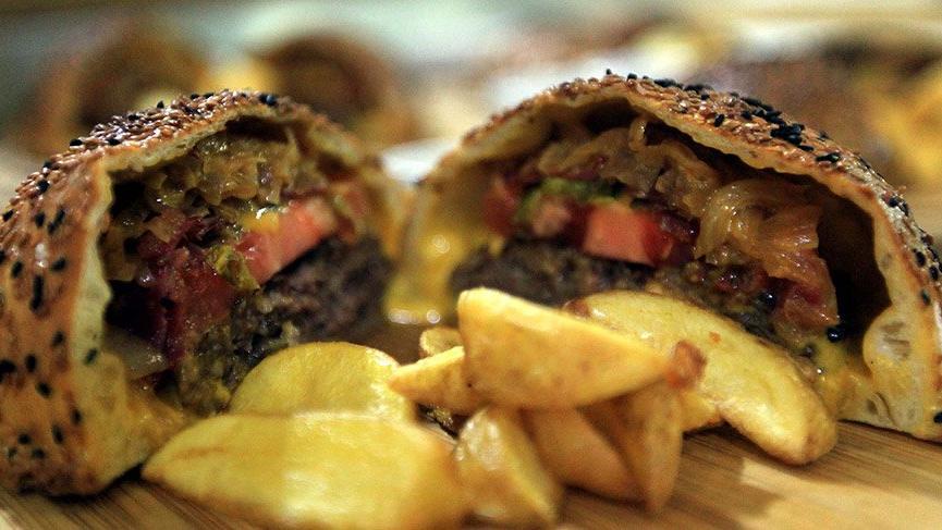 Samsun pidesi ile hamburgerin lezzeti birleşti