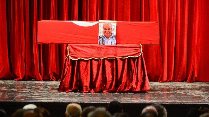 Usta oyuncu Cengiz Sezici, Adana'da toprağa verildi