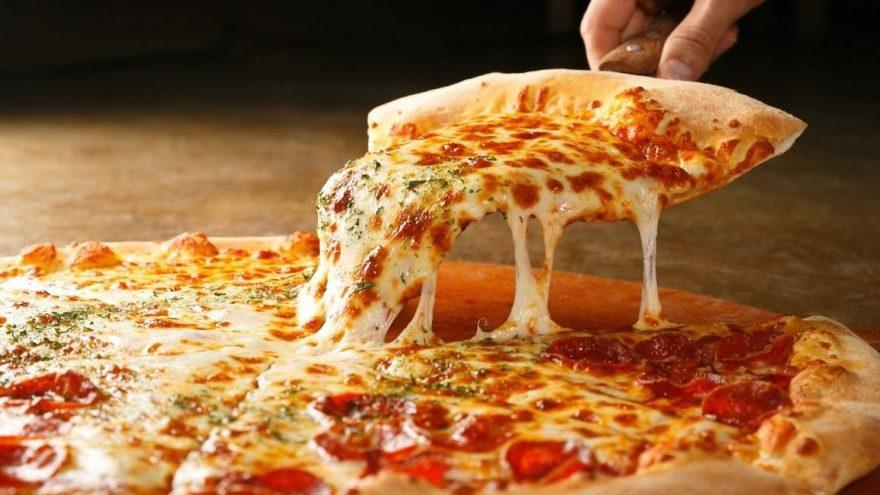 Ev yapımı pizza nasıl yapılır? İşte ev yapımı pizza için gereken malzemeler…