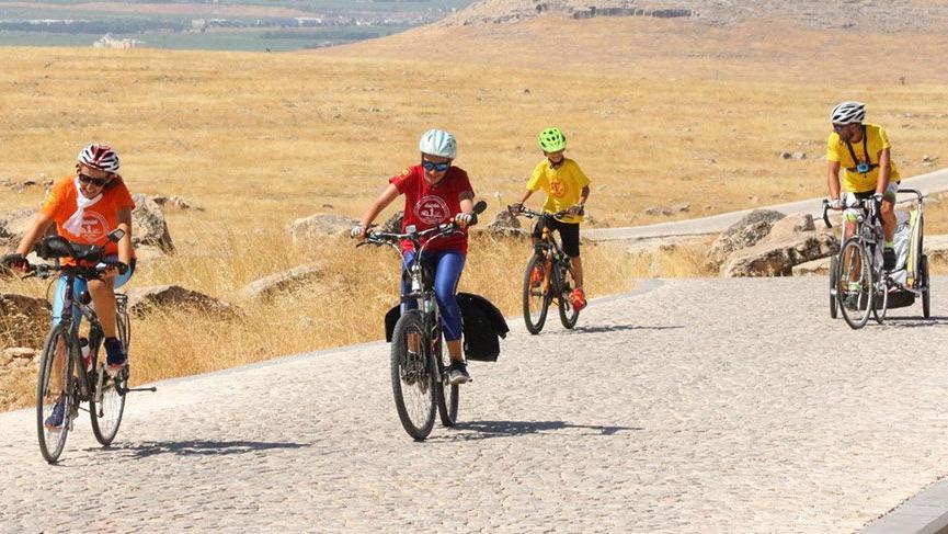 'Küçük 1 aile', bisikletle 27 günde Göbeklitepe'ye ulaştı