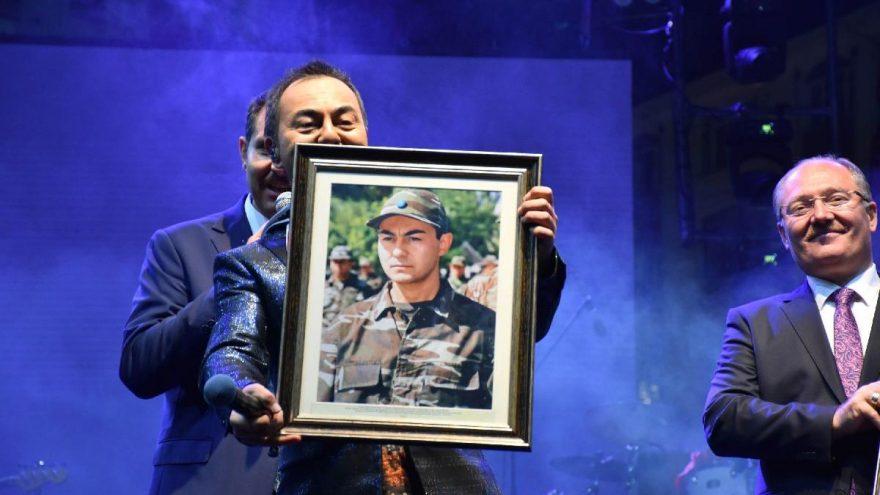 Serdar Ortaç 'Gardaşlık Festivali'nde sahne aldı