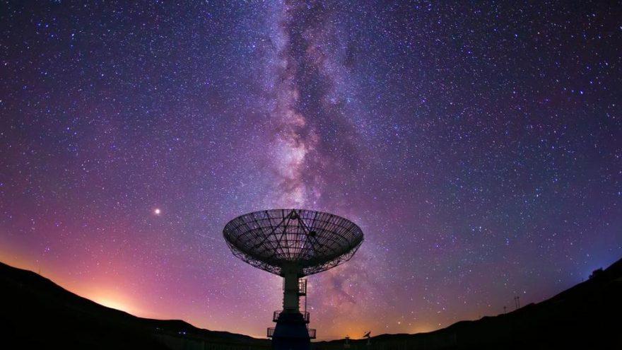 Keşfetmeye bir adım kaldı: Evrenin derinliklerinden gelen radyo dalgaları