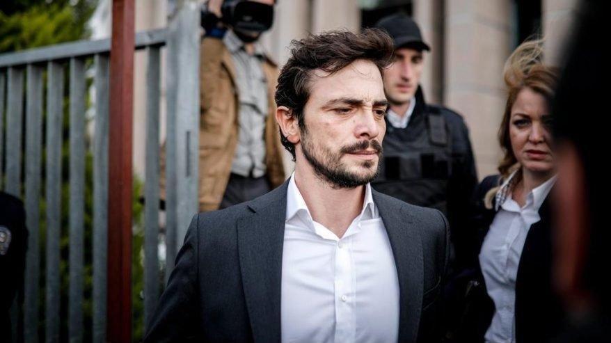 Ahmet Kural yeni sevgilisiyle objektiflere yakalandı