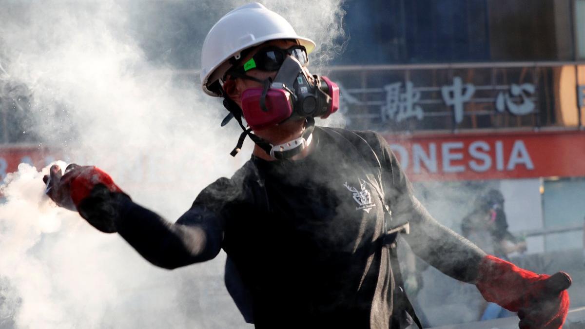 Hong Kong liderinden itiraf: Tsunami gibi