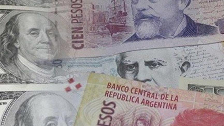 Arjantin'de pezo yüzde 30 değer kaybetti!
