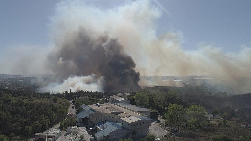 Fabrikaya sıçrayan orman yangını kontrol altına alındı