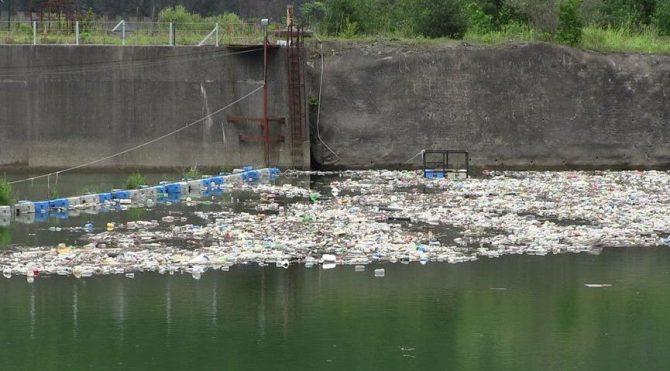Muratlı Barajı kurban atıkları ve çöplerle doldu