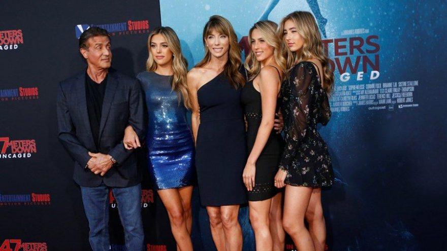 Sylvester Stallone, 3 kızı ve eşi ile 47 Meters Down: Uncaged galasına damga vurdu
