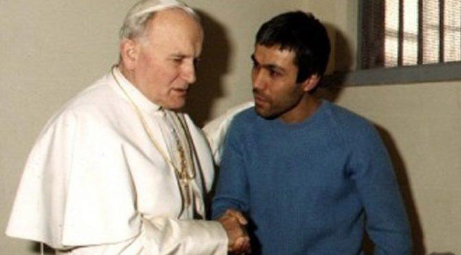 Papa suikastını araştıran eski savcı hayatını kaybetti!