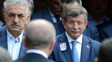 Cumhurbaşkanı Erdoğan, Davutoğlu'nu teğet geçti