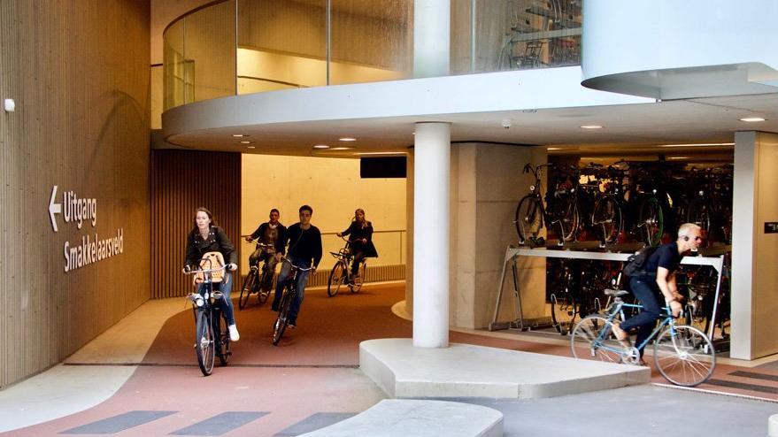 Dünyanın en büyük bisiklet parkı yapıldı: 12.500 bisiklet park edebiliyor
