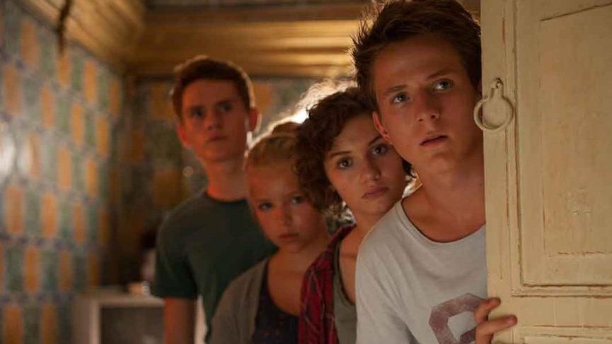 Afacan Beşler 4 filminin konusu ve oyuncu kadrosu