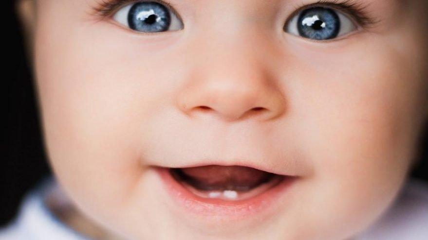 Bebeklerde diş çıkarma ne kadar sürer? Ne iyi gelir?