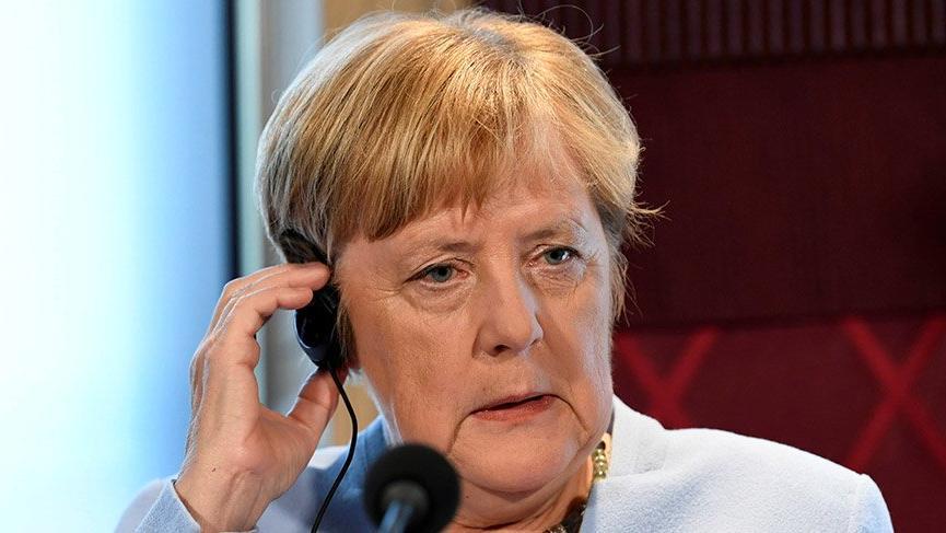 Alman ekonomisi daraldı