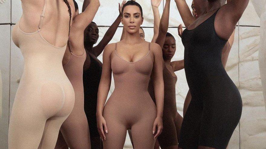 Kim Kardashian Kimono isminden vazgeçti 'Skims' ismini tercih etti
