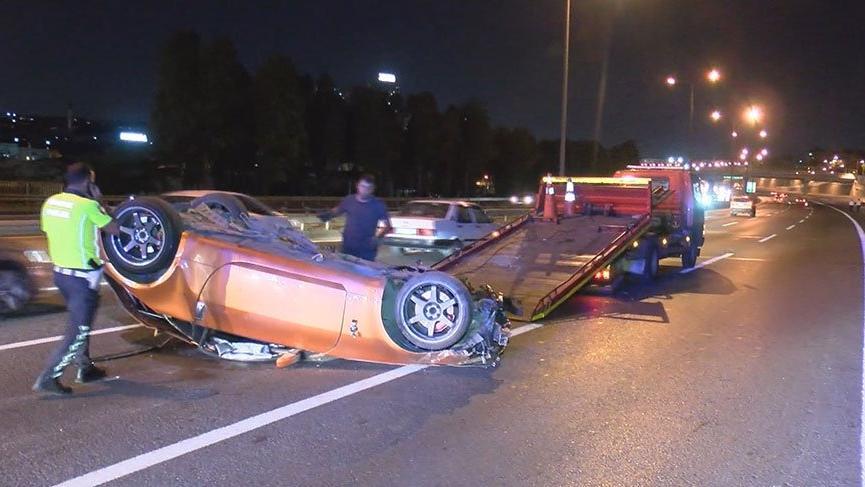 Ambulansa yol vermeyen maganda bu kez de makas atıp kazaya neden oldu