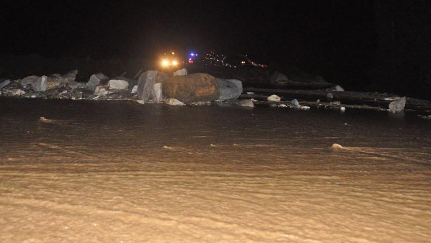 Sivas'ta HES kanalı patladı! Yaralılar var