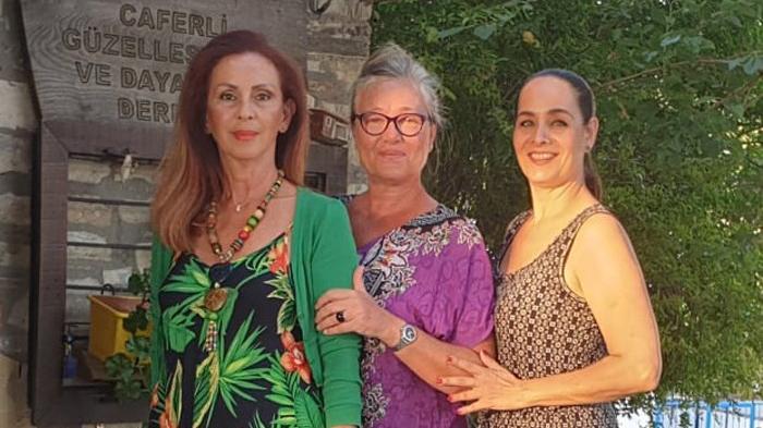 Üç Avrupa güzelinden 30 Ağustos mesajı