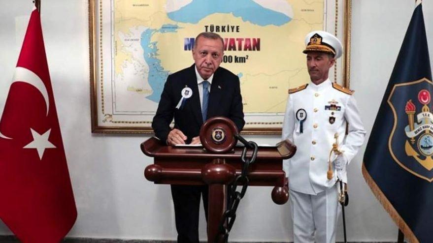 Erdoğan'ın fotoğrafına Yunan Dışişleri Bakanı'ndan tepki geldi