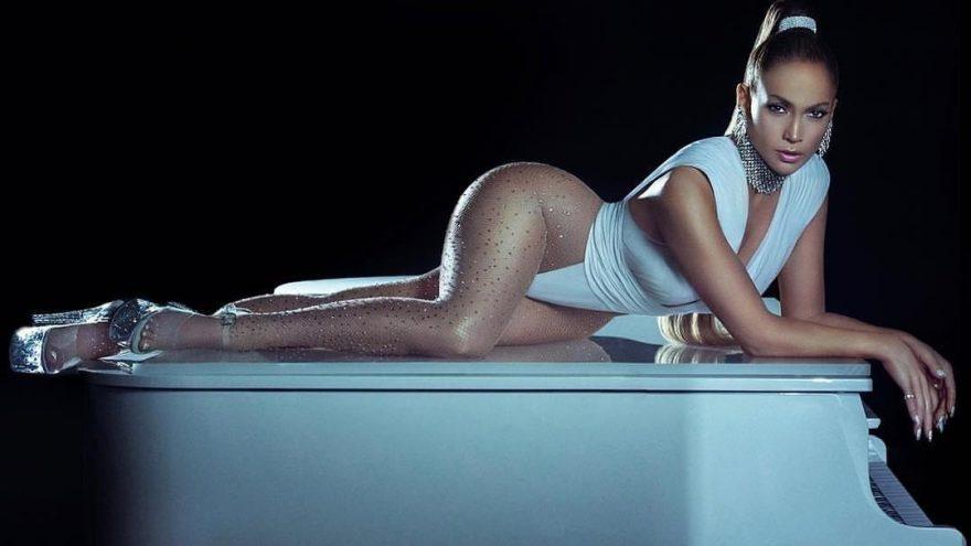 Jennifer Lopez, Elvan Tığlıoğlu tasarımı bir kimono giydi