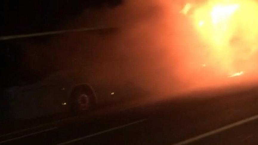 TEM'de halk otobüsü alev alev yandı