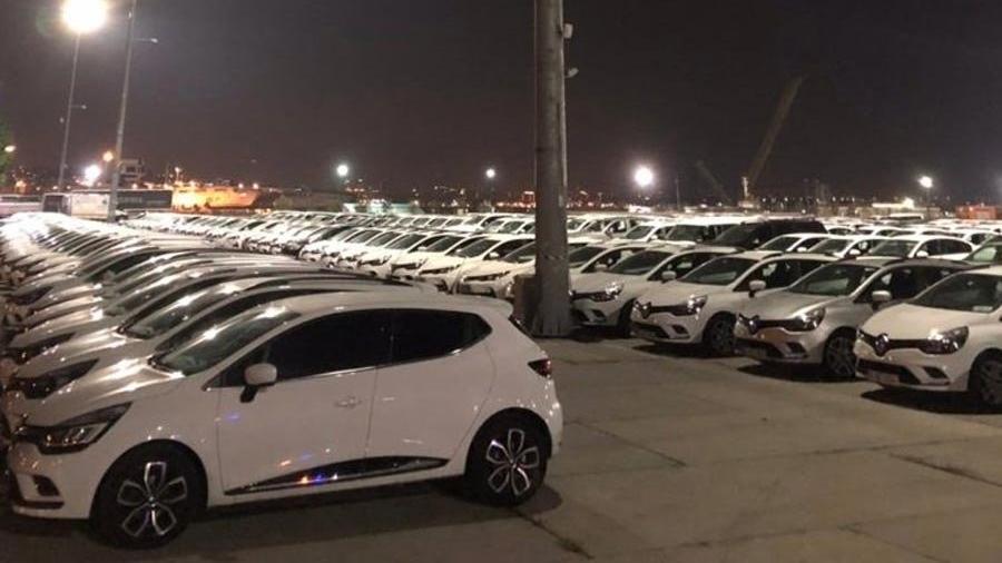 Son dakika... İBB'ye ait yüzlerce araç gece yarısı Yenikapı'ya getirildi