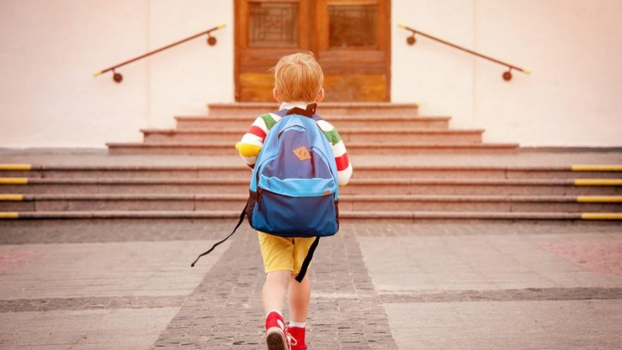 Çocukların okula mutlu başlamaları tüm hayatlarını olumlu etkiliyor