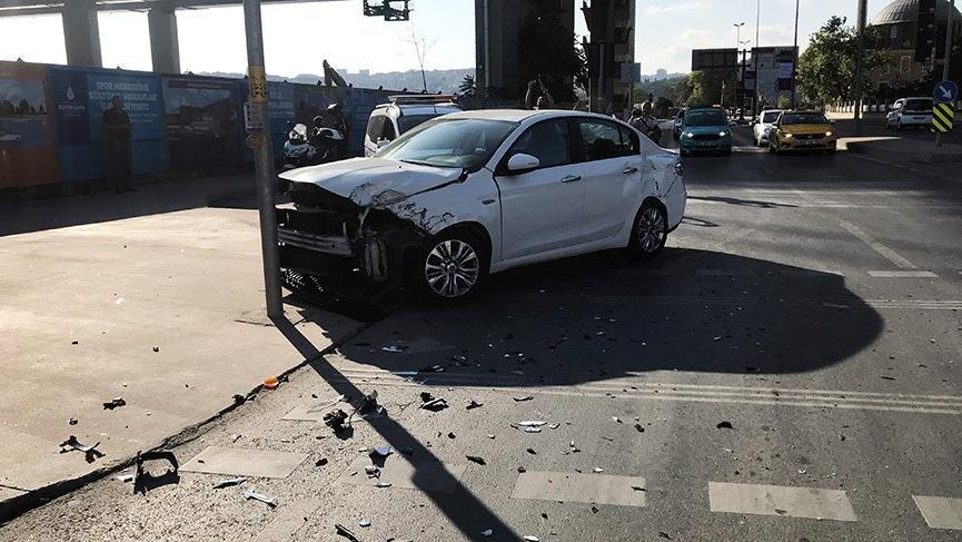 İstanbul'da çevik kuvvet otobüsü kaza yaptı: 2 polis yaralı
