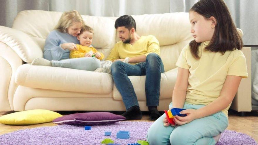 Kardeş kıskançlığını çözmek için ne yapılması gerekir? Kardeş kıskançlığı nasıl önlenir?